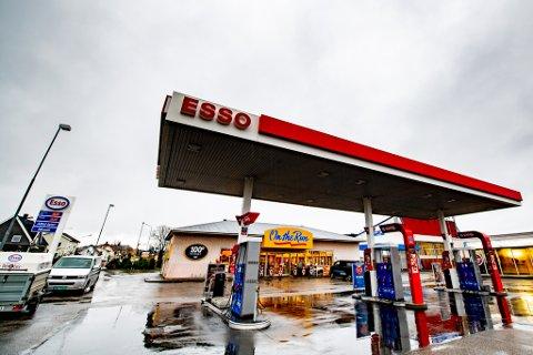 SOLGT: Esso-eiendommen i Lillestrøm er solgt til Øie Eiendomsutvikling. Det tjener to brødre gode penger på.