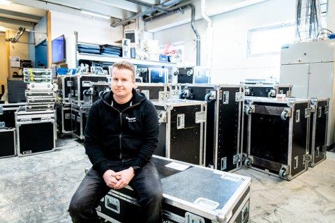 MISTET ALLE OPPDRAG: Kim André Solhaugen Edstrøm startet bedriften Pro Systemer for 18 år siden. Nå har bedriften mistet alle oppdrag i flere måneder framover.