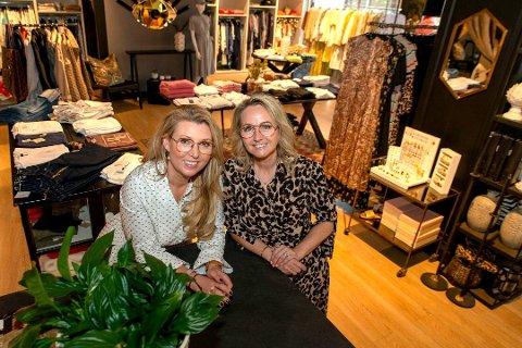 SATSER: Katrine Tandberg (t.v.) og Elisabeth Poulsen hos nisjebutikken Deg & Meg får dobbelt så stor plass når de åpner i nye lokaler over påske.