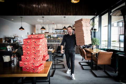 Voldsom respons: Pizzaene raste ut hos Per Ivar Hansen hos Firenze på Skedsmokorset. Nå har én kunde bestilt 180 pizzaer!