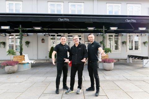 Mitt hjem: Casa Mia-eierne Roberto (t.v.), Antonio og Nicolay Lepore eier og driver populære Casa Mia i Lillestrøm. Casa Mia betyr mitt hjem.
