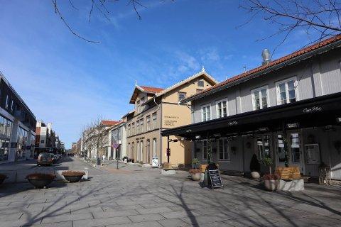 PLANLEGGER ÅPNING: Casa Mia håper å kunne åpne dørene igjen i løpet av neste uke eller uka deretter. Flere store restauranter i Lillestrøm planlegger også for gjenåpning nå.