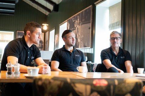 Casa Mia-eierne Roberto (t.v.), Nicolay og Antonio Lepore eier og driver populære Casa Mia i Lillestrøm. Nå starter de opp med take away etter å ha holdt stengt i noen uker.