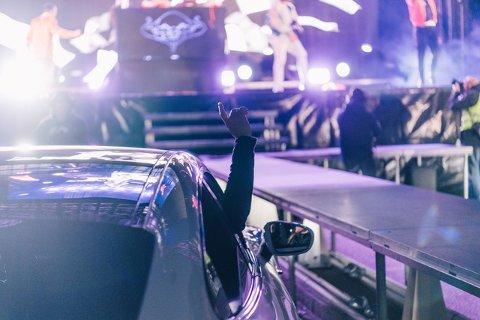 DRIVE-IN: Arrangøren forteller at konsertene utenfor Norges Varemesse har blitt en suksess. Flere konserter er planlagt i løpet av påsken.