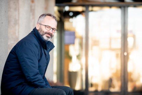 GLAD OG STOLT: Ordfører i Lillestrøm kommune, Jørgen Vik, er glad for at to beboere er friskmeldt, og stolt av de ansatte som han mener jobber godt med smittevern.