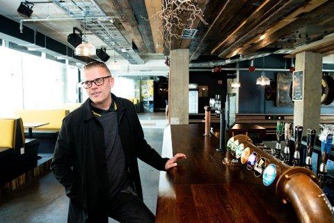 Kjører en test: Allerede lørdag har Fuser Bar & Fôr i Lillestrøm en prøveåpning. Daglig leder Jon Arne Christopher Møller er spent på ukene framover,