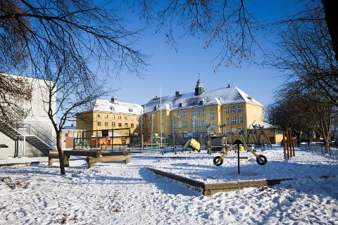 RAMMET: Volla skole i Lillestrøm.