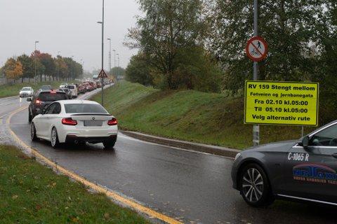 STENGES: Statens vegvesen oppfordrer alle som kan ha hjemmekontor til å ha det på mandag. De forventer køer, men sier de gjør alt de kan for å sikre så god trafikkflyt som mulig.