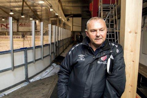 EFFEKT AV KORONA: Daglig leder Jørn Ove Lunder i Skedsmo Fotballklubb forteller om flere utfordringer som følge av koronapandemien.