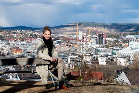 – INNBYGGERNE ER SLITNE: Karoline Mihle-Koller (Sp) forteller at de har fått mange henvendelser fra innbyggere om byggestøy.