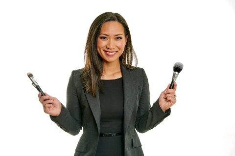 STARTET NETTBUTIKK: Linn Nguyen startet nettbutikk der hun selger koreanske hudpleieprodukter. Hun forteller at bedriften går godt.