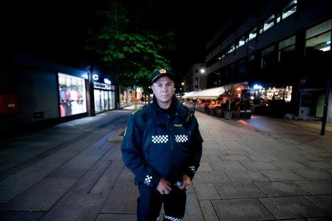 KLAR: Jørgen Hoff, avsnittsleder i politiet, forteller at politiet er forberedt på en hektisk kveld.
