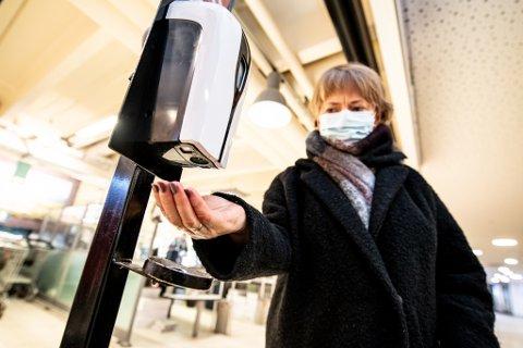 KLAR FOR LETTELSER: – Det går mot lysere tider, konstaterer Lørenskog-ordfører Ragnhild Bergheim, som vil innføre nye lettelser i lokale smitteverntiltak allerede fredag.