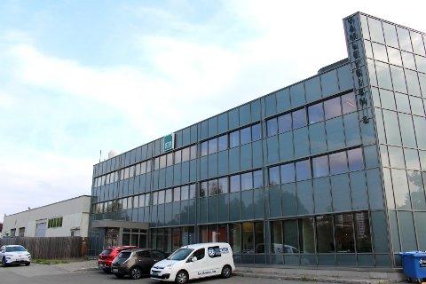 FLERE ENTREPRENØRER: Med unntak av drøyt 200 kvadratmeter i dette kontorbygget, er det meste av arealene i Gamleveien 2 utleid.