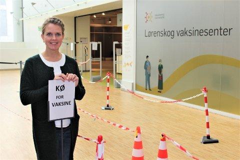 ALENE I KØEN: Kommunelege Astrid Østergaard Hornstuen håper på større pågang av folk som ønsker en tredje vaksinedose mot korona.
