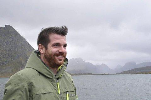 GLEDE: Hans Fredrik Sørdal gleder seg til å være med å gjøre Flakstad til et enda bedre sted å bo. Foto: Kai Nikolaisen