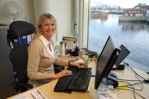 Regionleder PM: Banksjef Anne-Gunn Winther i Svolvær har tatt over ansvaret for personmarkedet til DNB Bank ASA i hele midtre Hålogaland. Foto: Knut Johansen
