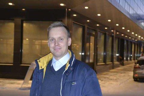 Skal drive: Stian Lorentzen-Oftedal skal drive den nye restauranten. En utfordring han ser fram til å ta fatt på.foto: Øystein Ingebrigtsen