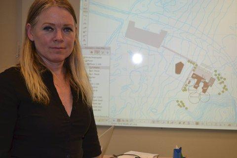 Skisseprosjekt: Arkitekt Sonja Rød fra Vis a Vis har levert skisseprosjektet for ny Vestre Vågan skole. Nå er det opp til politikerne hva som skal skje. Foto: John-Arne Storhaug