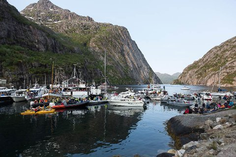 Helt inne i fjorden lå båtene tett i tett.