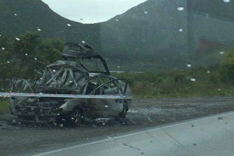 Bilen endte opp med å bli helt ubrent.