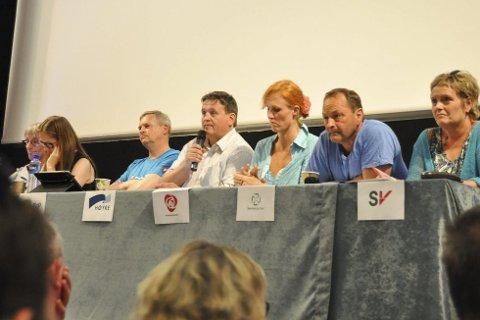 Panelet: Panelet besto av Gunnar Aarstein, Anja Johansen, Espen Thorvaldsen, Eivind Holst, Lena Hamnes, Frank Johnsen og Hilde Sofie Aasgaard.Foto: Åshild Marita Håvelsrud