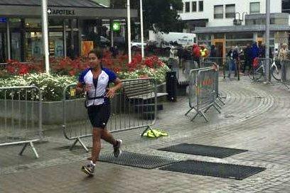 Gikk til topps: Marcela Malmér fra Leknes var raskest av alle kvinnene i olympisk klasse under Bodø Triatlon. Hun kom i mål på tre timer og to sekunder etter tøffe tak i løypa med 1500 meter svømming, fire mil sykling og en mil løpingFoto:Privat