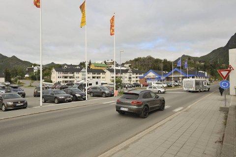Forgjeldet: Nordmenn kjøpte biler og bobiler som aldri før i juni 2015, og Løsøreregisteret registrerte derfor «all time high» i parnteregisteret.  Foto: Knut Johansen