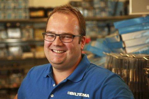KAN SMILE: Administrerende direktør Knut Svenningsen i Biltema Norge (Foto: Kaia Means)