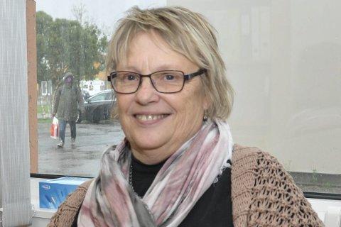 Fornøyd: Tove Laila Johansen ønsker Bergnér lykke til med etableringen av møtestedet.