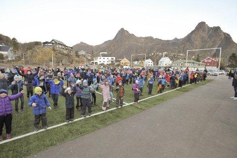 Deltakelse: Rundt 400 elever fra andre til og med syvende klassetrinn deltok i Svolvær.