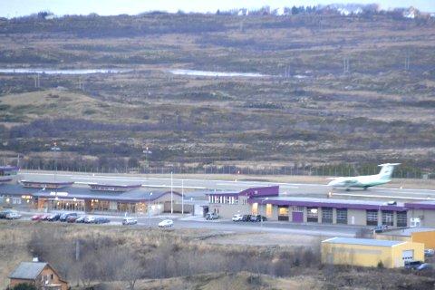 Måler: Avinor har startet værmålingene på blant annet Leknes lufthavn. I tillegg måles vær og turbulensforhold på Gimsøy, Laukvik og Malnes syd. For Leknes vurderes både utvidelse av dagens flyplass og å flytte flyplassen lenger nord eller lenger vest.