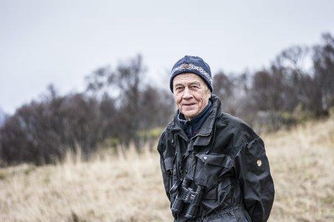BIOLOG: Johan Sirnes hjemme på Sandberg på Vestvågøy.
