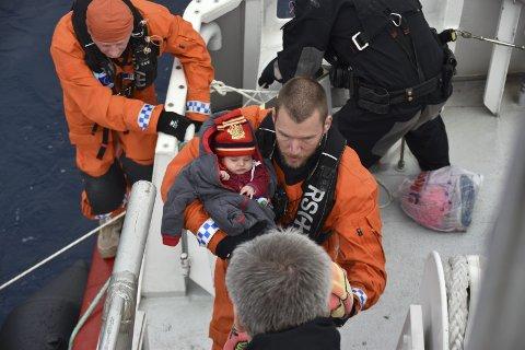 Redningspris: Mannskapet ombord Peter Henry von Koss i aksjon i Middelhavet. Nå har de og mannskapet om bord Siem Pilot fått nok en pris.