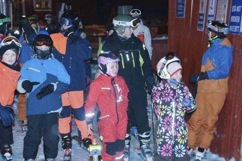 Ungene i Lofoten er flinke hjelmbrukere