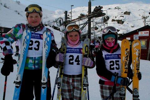 Susanne Emilie Jørgensen, Sara Fleines Kristoffersen og Eirin Krogstad var alle utstyrt med hjelm da de kjørte sitt første renn i 2012