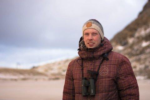 Kritisk: Naturvernrådgiver Martin Eggen i Norsk Orintologisk Forening advarer mot konsekvensene for fuglelivet dersom storflyplass på Leknes legges i viktige våtmarkområder.