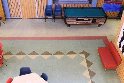 På dette golvet har tusenvis av barneføtter tasset fram og tilbake