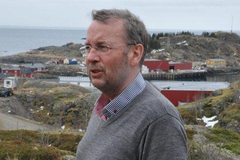 Saksbehandling: Medlem av Planutvalget i Vestvågøy, Pål Krüger (H), er bekymret for kommunens kapasitet til å behandle byggesøknader. foto: Magnar Johansen