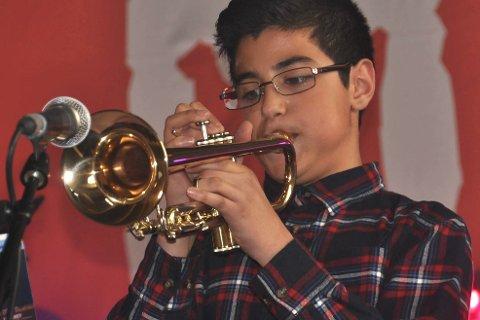 KONGETROMPET: Temmam Al-Taie gleder seg til å spille trompet for kongeparet 19. juni i Bodø. Foto: Kai Nikolaisen