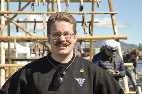 Dirigent Simon A. Jacobsen i Stjørdal mannskor sier de i ett år hadde gledet seg til dette flotte lofotbesøket.