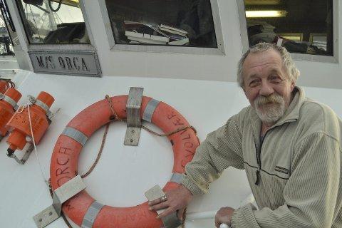 Turistvertveteran: Hans Ivar Edvardsen har reist rundt med turister siden slutten av 1960-tallet. – Likevel er hver dag like spennende, sier han. Foto: John-Arne Storhaug.