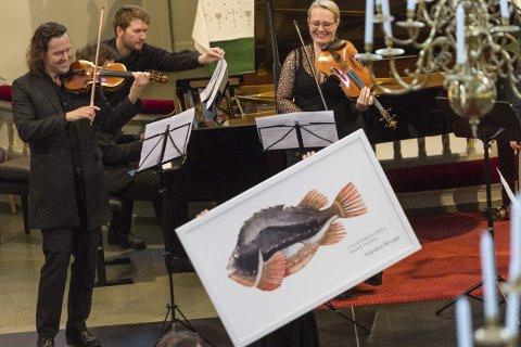 «ØRRETEN»: Under framføringa av Die forelle av Schubert dukket det opp en fisk.