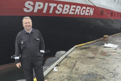 Lang fartstid: Ingen andre i Hurtigruten har så lang fartstid ombord i «Spitsbergen» som maskinsjef Pål Åsheim. Han startet allerede med faring i april 2015 og var med å hente ferga i Portugal for å seile den til verkstedet som skulle bygge den om. Den 20. juni år var jobben gjennomført på Fosen Yards og maskinsjefene kunne endelig teste de 14.700 hestekreftene.