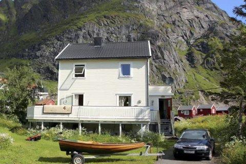 Til utleie: Huset til Roy Finstad på Å ligger i veldig fine omgivelser helt vest i Lofoten. Begge foto: Privat
