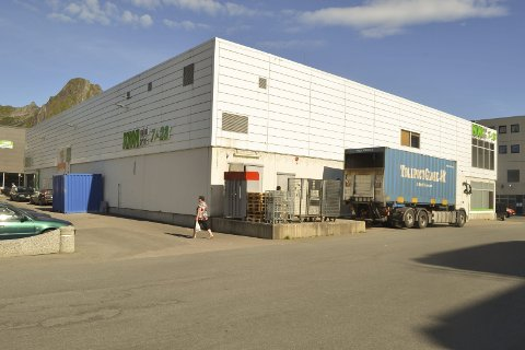 Clas ohlson: Andre etasje i dette Kiwi/Rimibygget i Svolvær sentrum blir forretningslokale for kjeden Clas Ohlson fra før jul i år. Foto: John-Arne Storhaug.