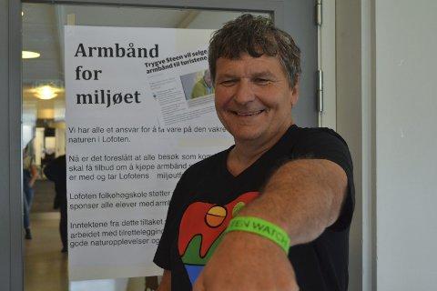 Bevis: Odd Arne Sandberg viser frem beviset.
