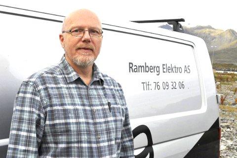 Godt fjorår: Daglig leder og medeier i Ramberg Elektro, Viggo Henriksen, er fornøyd med utviklingen. Flakstad-bedriften økte omsetningen med to millioner kroner, og har økt staben til 12 ansatte. – 2016 ser også bra ut, sier Henriksen. foto: magnar Johansen