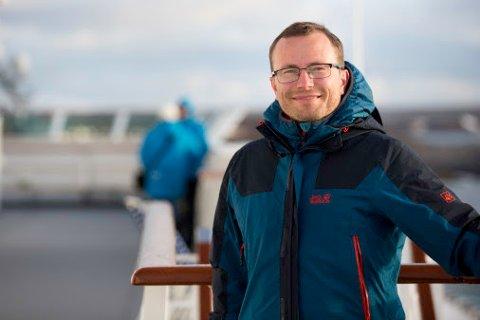 Svein Harald Lian (38) blir ny kommunikasjonsrådgiver ved Hurtigrutens hovedkontor i Tromsø.