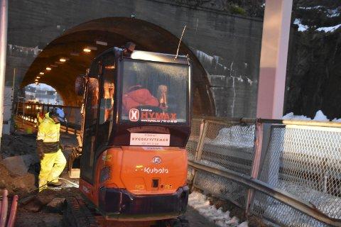 Ny strømkabel: EL-Team AS Sortland er i full gang med arbeidet i Nonshaugtunnelen.foto: benjamin diseth